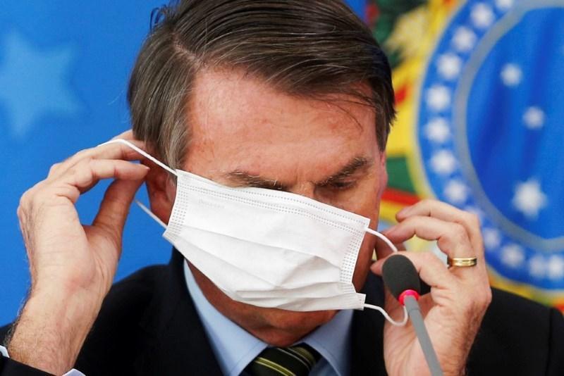 Bolsonaro copia Trump e quer salvar economia em vez da saúde da população