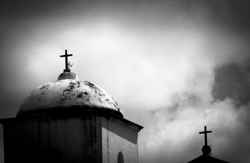 Evangélicos retomam cultos presenciais; católicos continuam com missa online