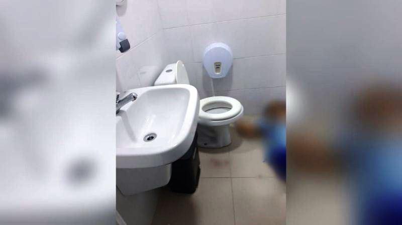 Funcionária, nua, é encontrada morta em banheiro de hospital