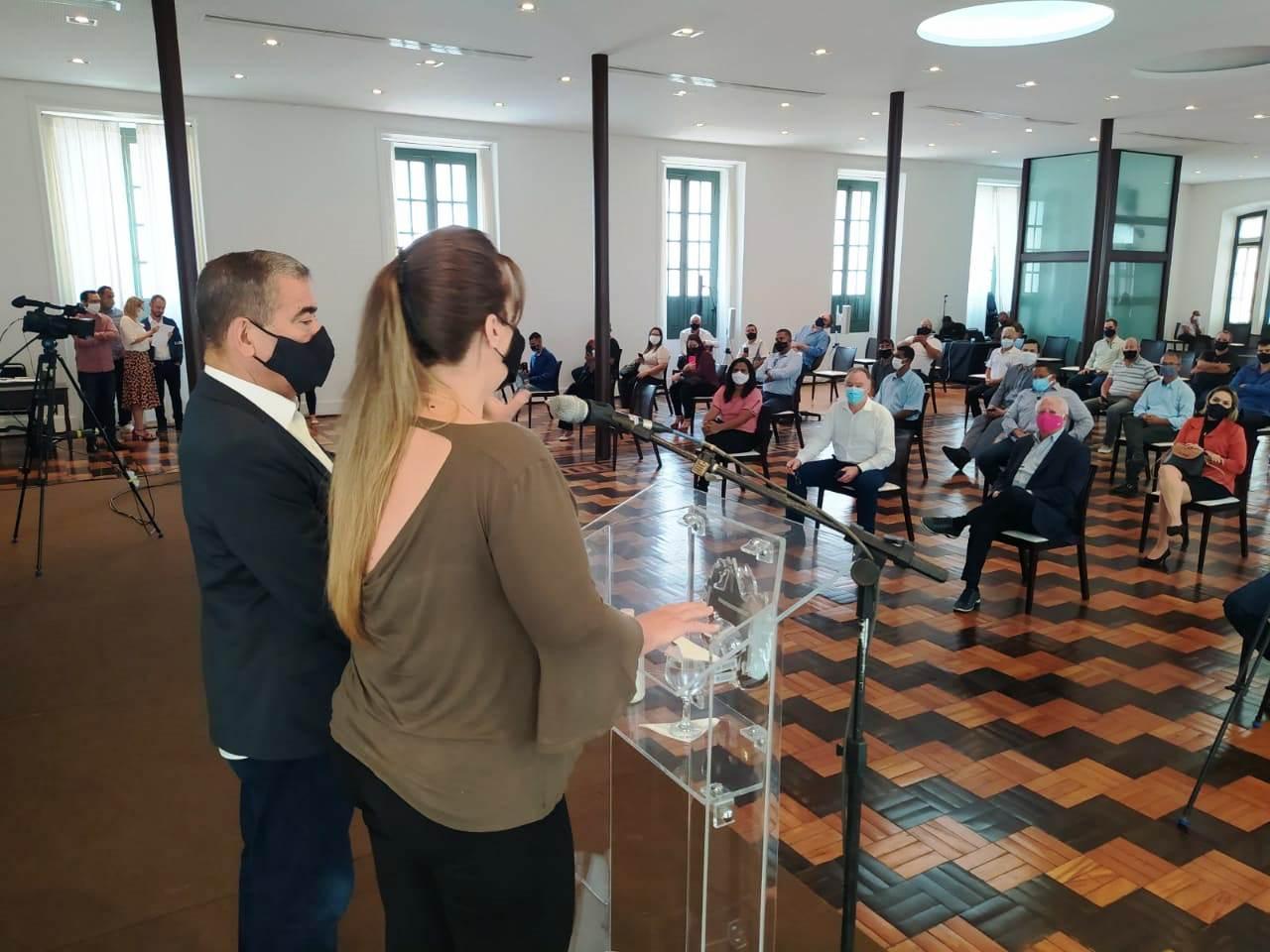 Casagrande autoriza obras de macrodrenagem em Viana e anuncia construção de EBAP'S em Vila Velha e Cariacica
