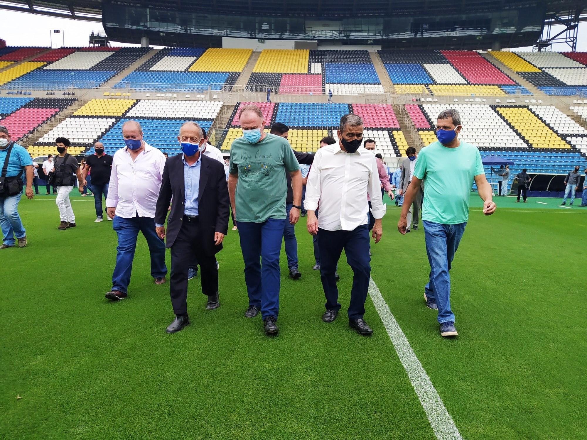 Em visita técnica ao Kleber Andrade, Casagrande confirma nova capacidade oficial do estádio
