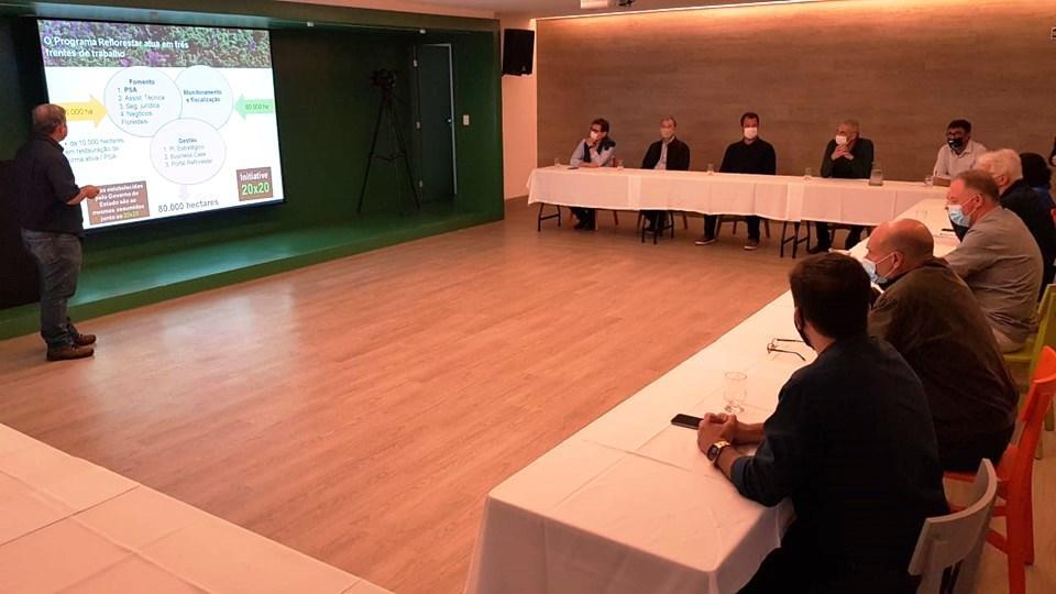 Programa Reflorestar do ES é apresentado a ambientalistas e empresários