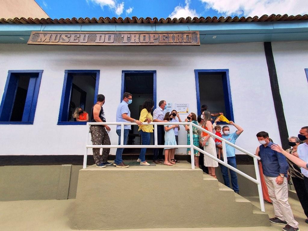 Casagrande inaugura obras de infraestrutura em Ibatiba