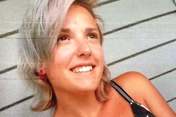 """Após matar os 5 filhos, mulher comete suicídio e deixa bilhete assustador: """"Meus demônios me venceram"""""""