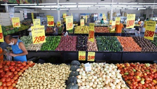 Batata e cebola lideram a queda de preços na cesta básica
