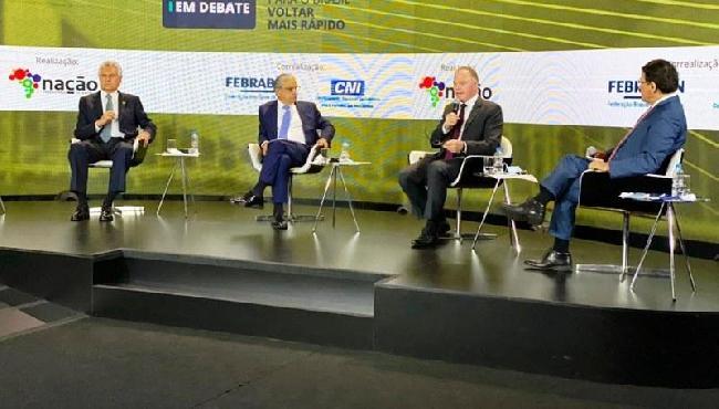 Casagrande participa de debate sobre reforma tributária, em Brasília