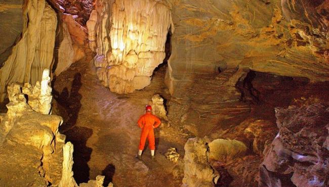 """Caverna """"perdida"""" há mais de um século é redescoberta em Minas Gerais"""