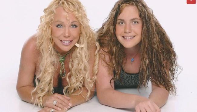 Mãe e filha de 19 anos comemoram conexão e dizem tomar até banho juntas