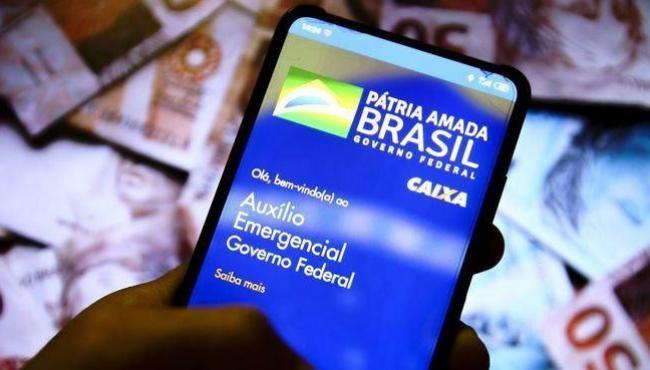 Mais 3,5 milhões têm último saque liberado do auxílio nesta sexta-feira (22)