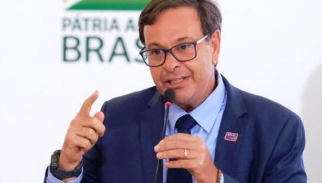 Ministro do Turismo insinua que cancelamento do Carnaval foi castigo de Deus