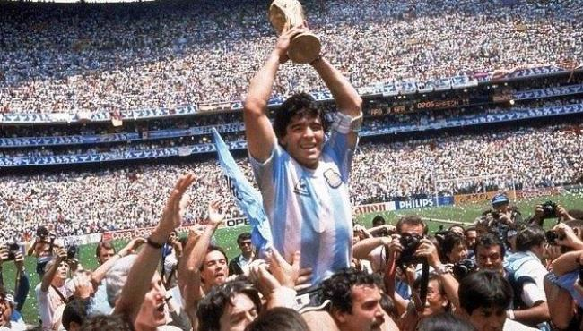 Morre o mito Diego Maradona, maior ídolo do futebol argentino