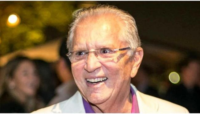 Não tenho mais nada no meu nome, diz Carlos Alberto no programa 'Vem Pra Cá'