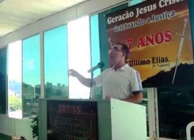 """Pastor pede por novo holocausto: """"Deus, massacra eles! Malditos sejam os judeus!"""""""
