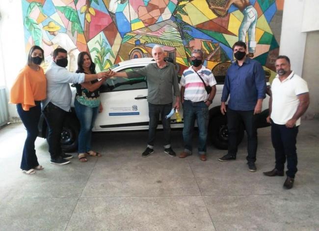 Seag entrega mais veículos para municípios capixabas